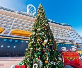 Castaway Cay Christmas - Christmas TreeDuck II