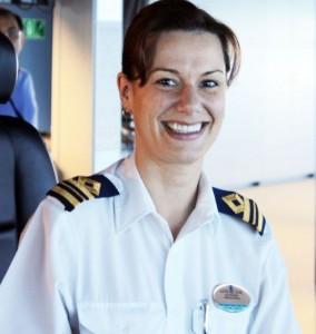 Comandante Kate McCue