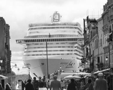 Venice, April 2013 - Big cruise liners invade the city - MSC Divina cruise ship passing by the old town ><  Venezia, aprile 2013 - Le grandi navi da crociera invadono la città - La MSC Divina passa davanti al centro storico