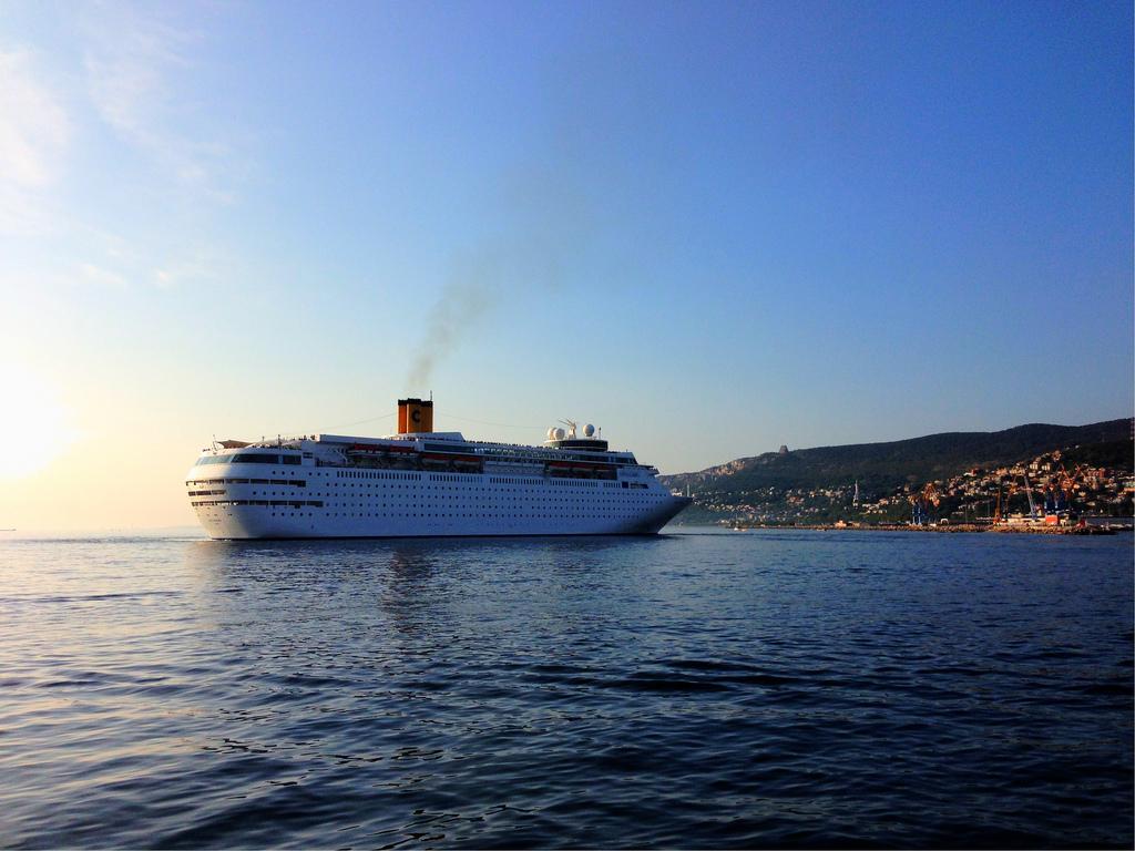 Costa neoClassica, nuovo itinerario da Bari per estate 2017
