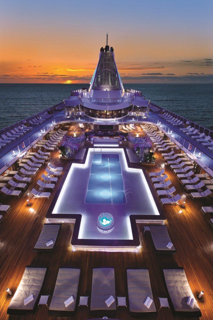 oclass-pool-deck