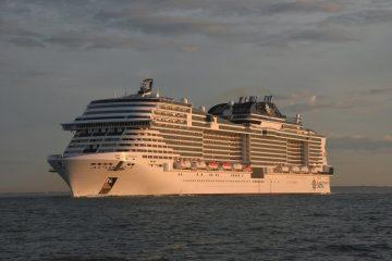 Reportage cruise direzione barcelona pazzo per il mare for Msc meraviglia foto